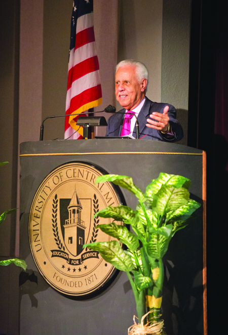 Douglas Wilder, first elected African American governor of the United States, addresses Freedom Scholarship recipients and other guests at the 2013 Freedom Scholarship Dinner on Martin Luther King, Jr. Day. (Photo courtesy of Bryan Tebbenkamp, UCM Media Relations)