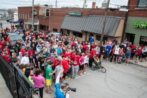 The racers gather at the starting line behind Molly's for the start of the run.