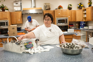 Lisa and Jim Smith volunteer as chefs every Thursday night. Jim used to work in Todd Dining Hall and said he and his wife were looking for service opportunities when they read about Manna Harvest in a winter issue of the Muleskinner.